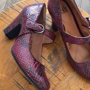 Sofft Red Faux Snakeskin Shoes Python Mary Jane 7